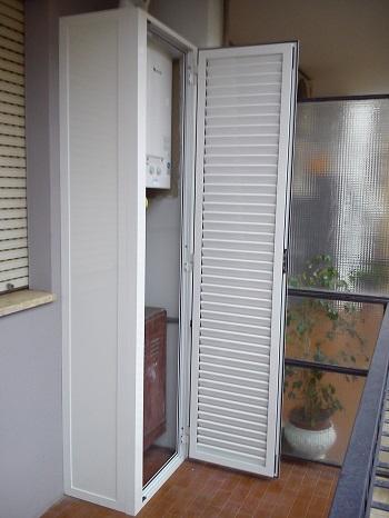 Mobili da balcone a roma for Armadietti esterno