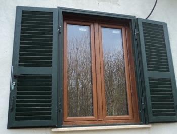 Infissi finestre a roma pvc for Infissi in pvc bianco effetto legno