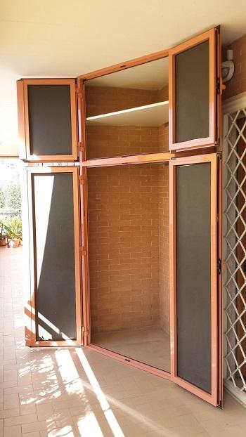 Mobili da balcone a roma - Armadi per esterno in legno ...